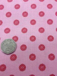 100/% Algodón Vestido de artesanía de Acolchar Tela Rosa Floral Kimono 2955 por Northcott