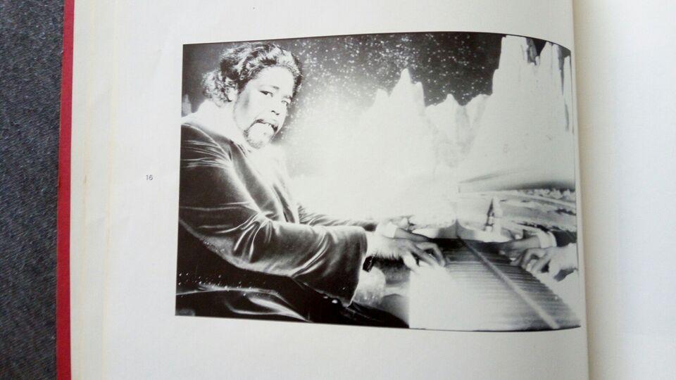 Hot Shots ..Juni 74, Norman Seeff, emne: historie og