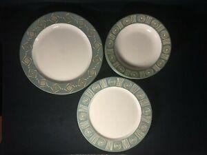POTTERY-BARN-034-Bongo-034-Green-Tan-Aztec-Design-Choice-of-Platters-OR-Bowls