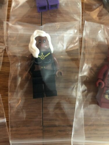 2 Random Super Hero minifigures! New//used clean Superhero's  M Rare figures