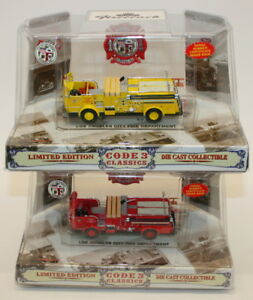 Code-3-Classics-1-64-Scale-12951-LA-City-Crown-Firecoach-Pumper-Set-2-Vehicles