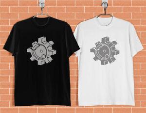 AR-15-Bolt-Face-2nd-Amendment-Pro-Gun-Black-and-White-T-shirt