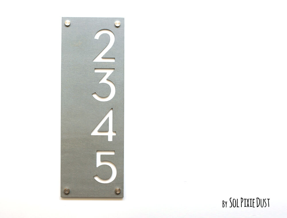 Modern House Numbers, Concrete with Weiß Acrylic - Grünical -Door Number