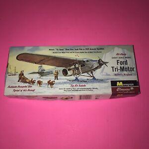 Vtg-Ford-Tri-Motor-Historic-Plastic-Airplane-Kit
