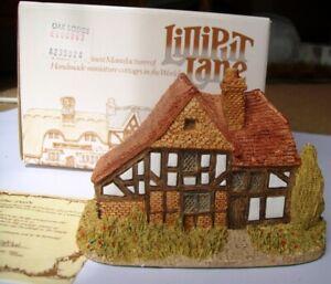 Lilliput Lane Oak Lodge 1984/5 with box and deeds