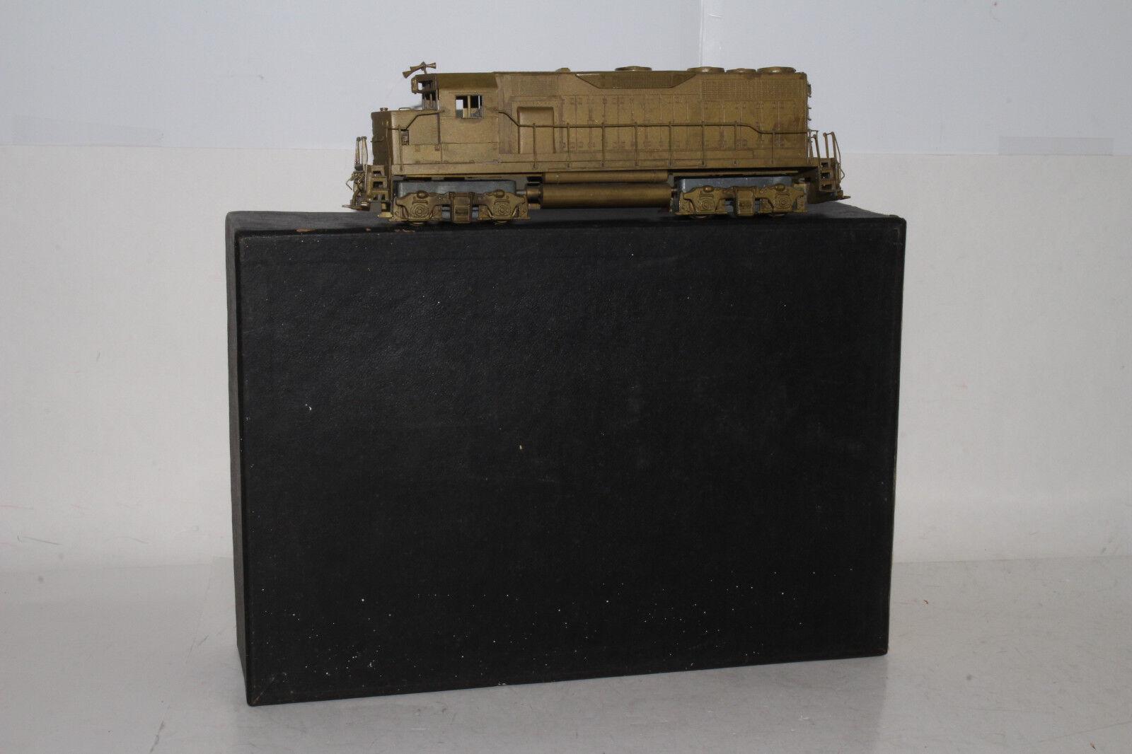HALLMARK MODELS BRASS HO SCALE E.M.D. GP-35 DIESEL LOCOMOTIVE ENGINE, BOXED