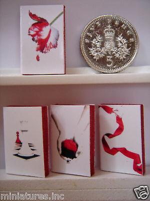 """Maison de poupées miniature set 4 /""""blanc/"""" the twilight saga livres-Crimson bords 1,12 th"""