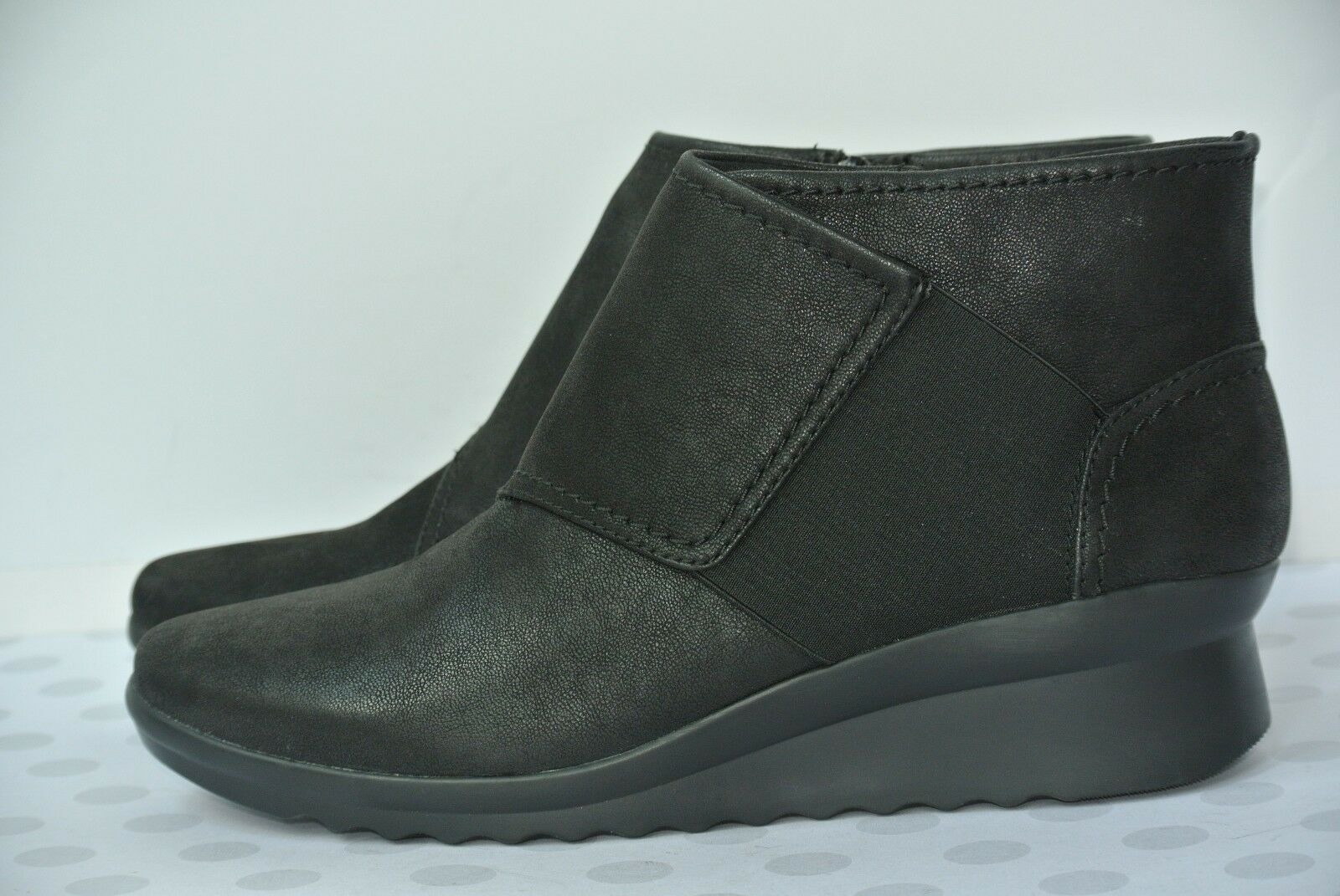 NEW Clarks Cloud Stepper Caddell Rush Womens Sz 9.5 M Black Ankle Boots