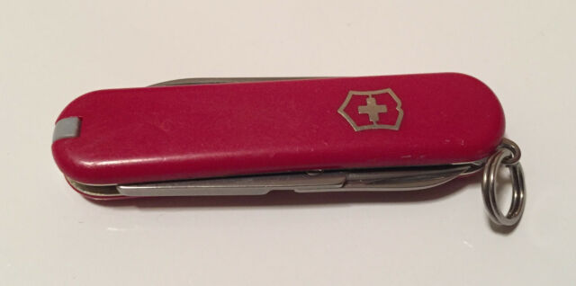 Victorinox CLASSIC SD Swiss Army Keychain Pocket Knife - RED - Very Good