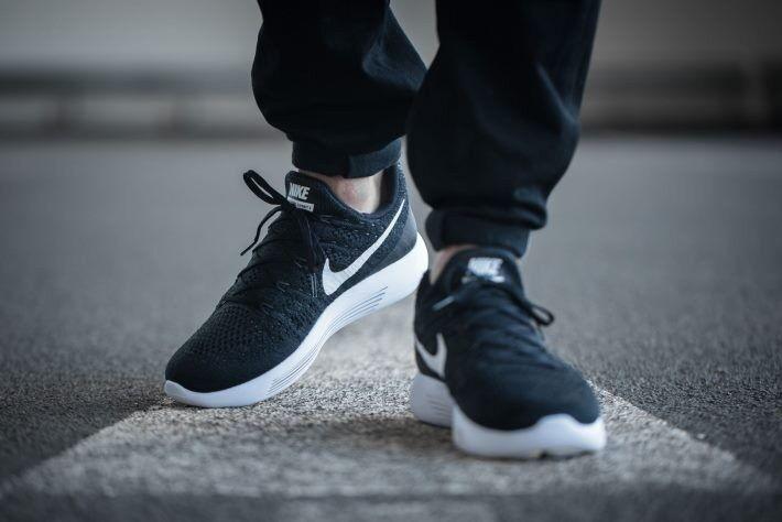 nike shoes men's lunarepics flyknit black size 9.5, brand new