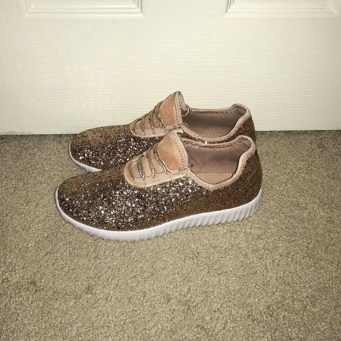BRAND NEW pink gold Glitter Athletic Sneakers, Size 7.5