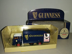 BEDFORD-TK-BOX-VAN-22704-GUINNESS-CORGI-SCALA-1-43