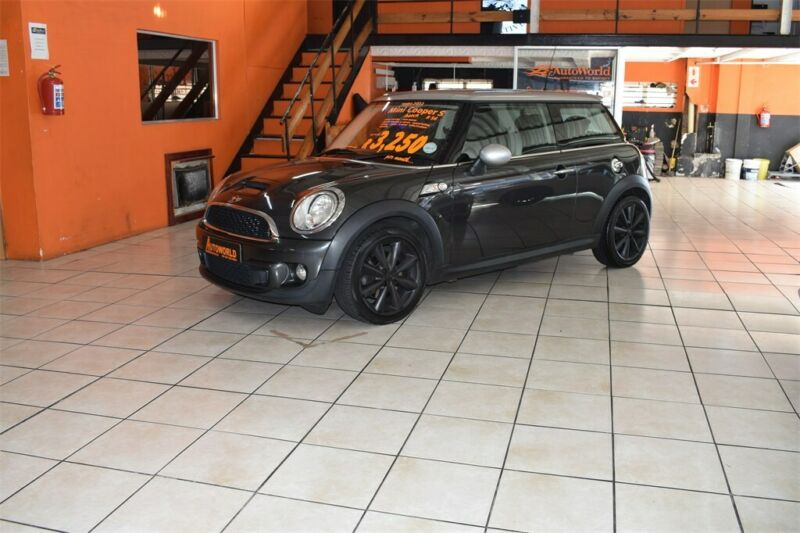 2012 MINI Cooper S, Grey with 117000km available now!
