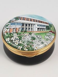 Staffordshire-Enamels-University-of-Virginia-School-of-Law-Since-1974