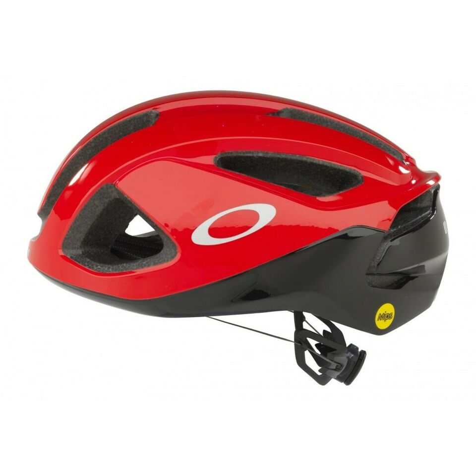 Cykelhjelm, Ny Oakley ARO3 cykelhjelm