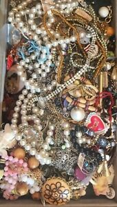 Vintage-Old-New-Jewelry-Lot-ALL-GOOD-Necklace-Earring-Brooch-Bracelet-Lot-5Pcs