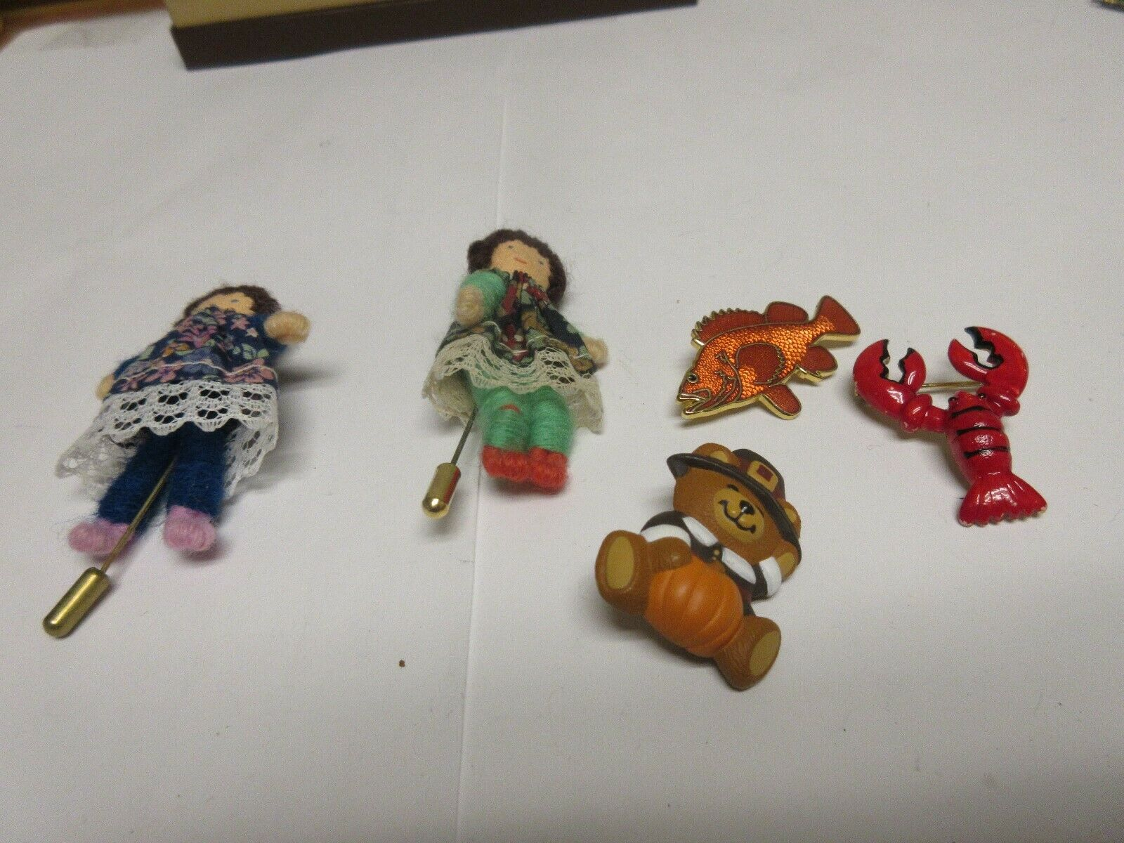 Costume Jewelry ,Vintage , Pins (5) , Lobster , Fish ,