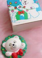 Vintage 1990 Avon Holiday Cub Wreath Pin-new In Box-free Shipping