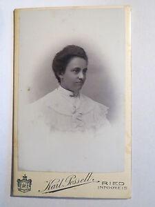 Ried-Innkreis-1907-Frau-im-Kleid-Portrait-CDV