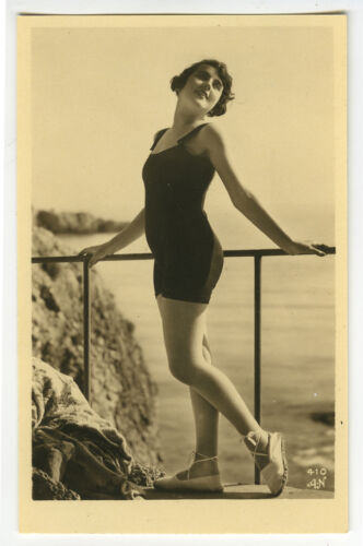 1920s French Deco SWIMSUIT FLAPPER Bathing Suit Belle photo postcard