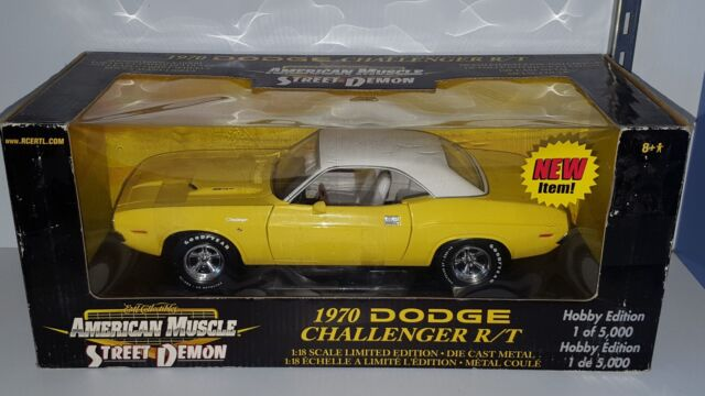 1/18 ERTL AMERICAN MUSCLE 1970 DODGE CHALLNEGER R/T YELLOW with WHITE TOP yd