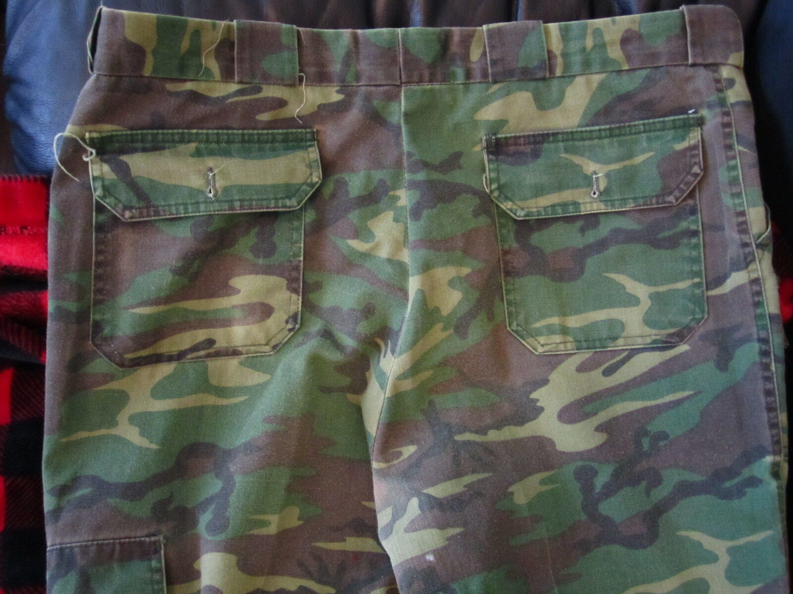 Vintage Cabelas  Upland Tradition  Size 34  Camoflage  Thorn Proof