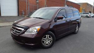 2007 Honda Odyssey tt equipee, propre, economique