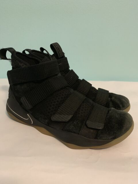 new styles 8a0f7 47241 Nike Lebron Soldier XI Mens Basketball Shoes 9 Black Gum 897644 007