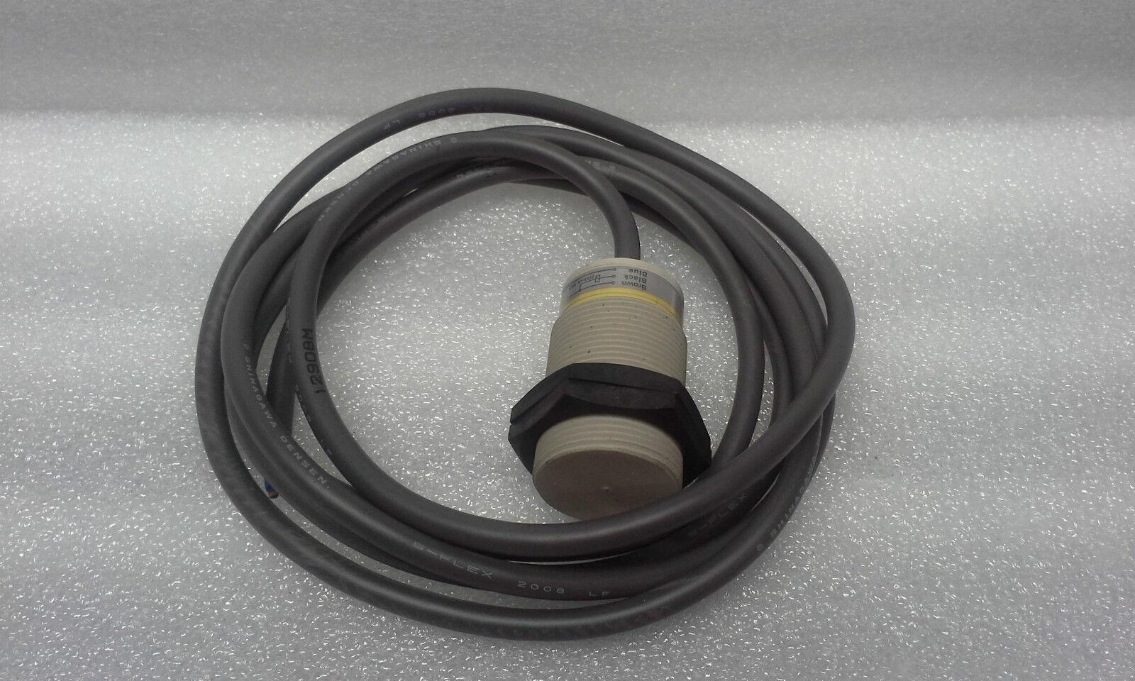 Omron E2F-X10E1 Proximity Switch 12 To 24 VDC