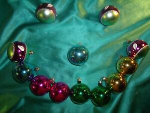 12-alte-Christbaumkugeln-Glas-bunt-pink-gruen-blau-gold-Weihnachtskugeln-5-cm