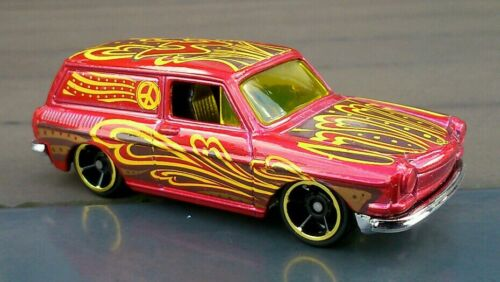 Hot wheels custom 69 volkswagen squareback red  type 3