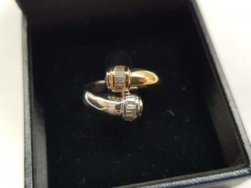 A225 18k Two Tone Diamond Ring