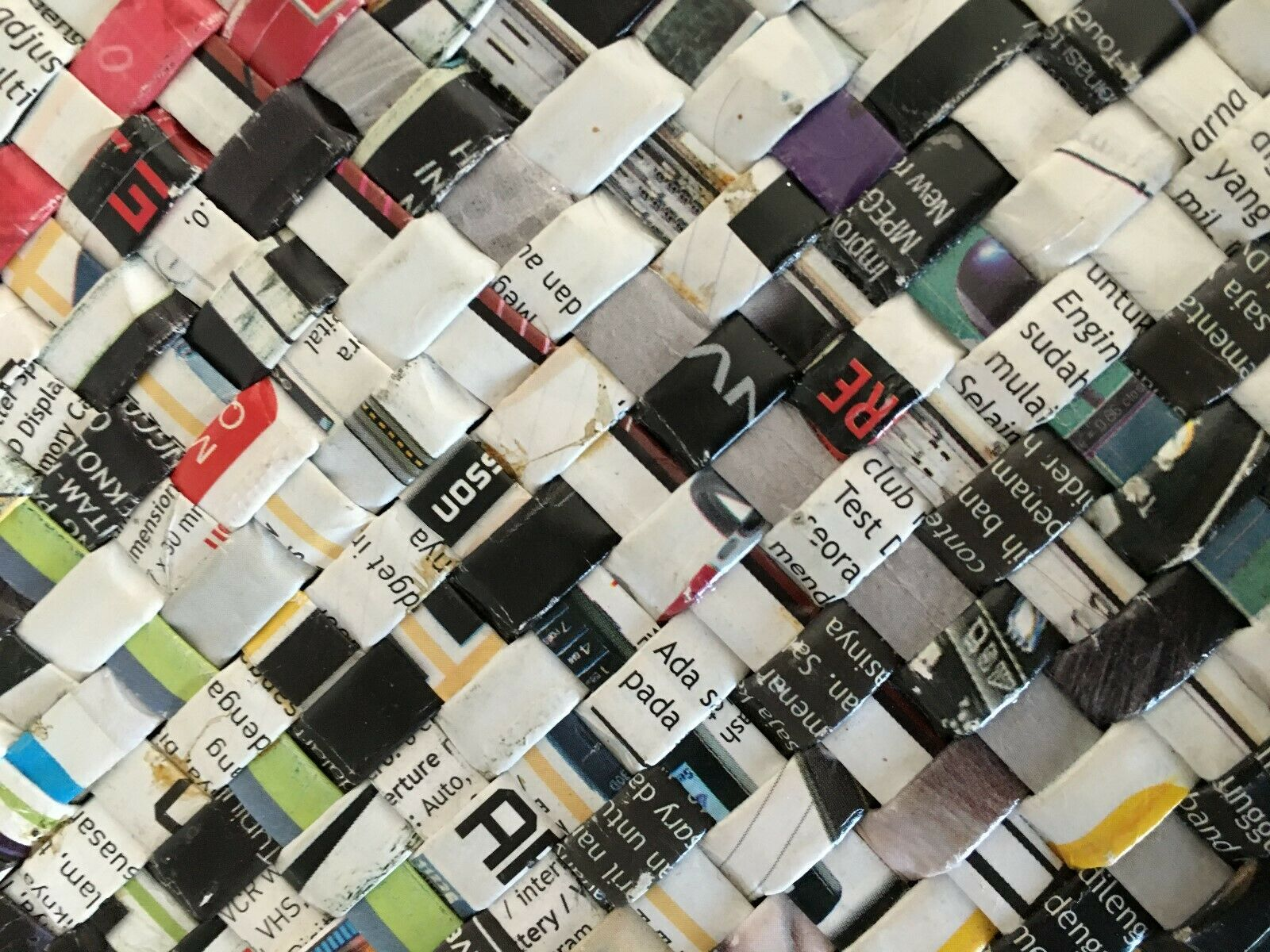 Colorful Recycled Woven Magazine / Newspaper Purs… - image 4