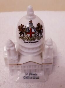 ARCADIAN-CRESTED-WARE-ST-PAULS-CATHEDRAL-CITY-OF-LONDON-CREST