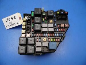 03-07 Cadillac CTS OEM Under hood fuse box assembly w ...