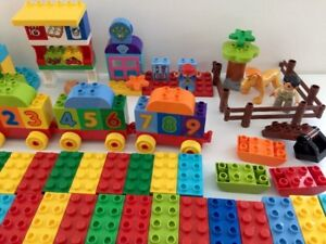 Large-Lot-280-Pcs-Of-Lego-Duplo-number-Train-pet-Clinic-store