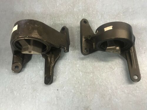 Front Left and Right Motor Mounts Set 2PCS for 2002-2005 Jeep Liberty 3.7L