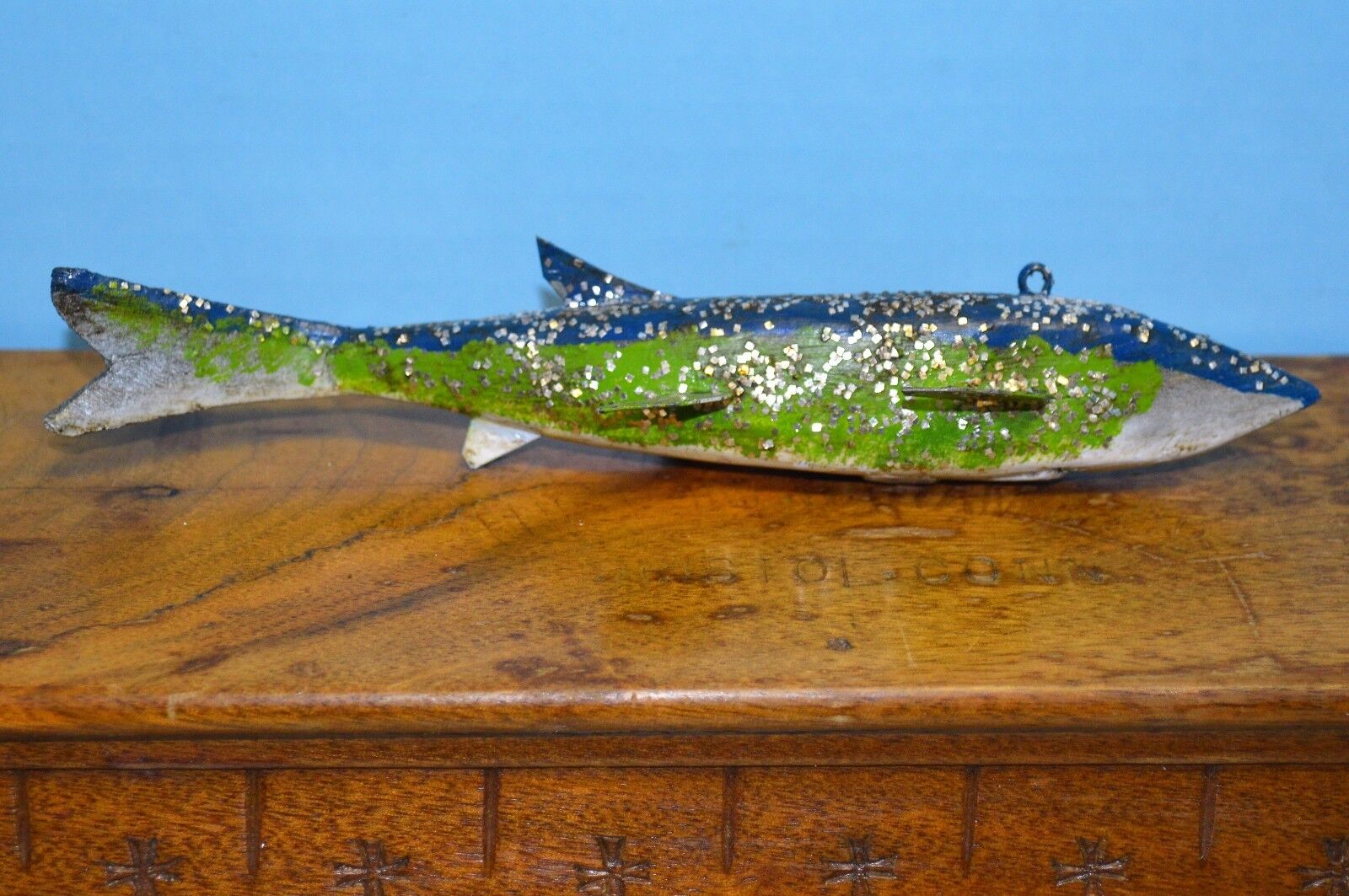 -1-Vintage Antique ICE SPEAR FISH DECOY Hand Carved Bent Tail (Cadillac) 7.5  L