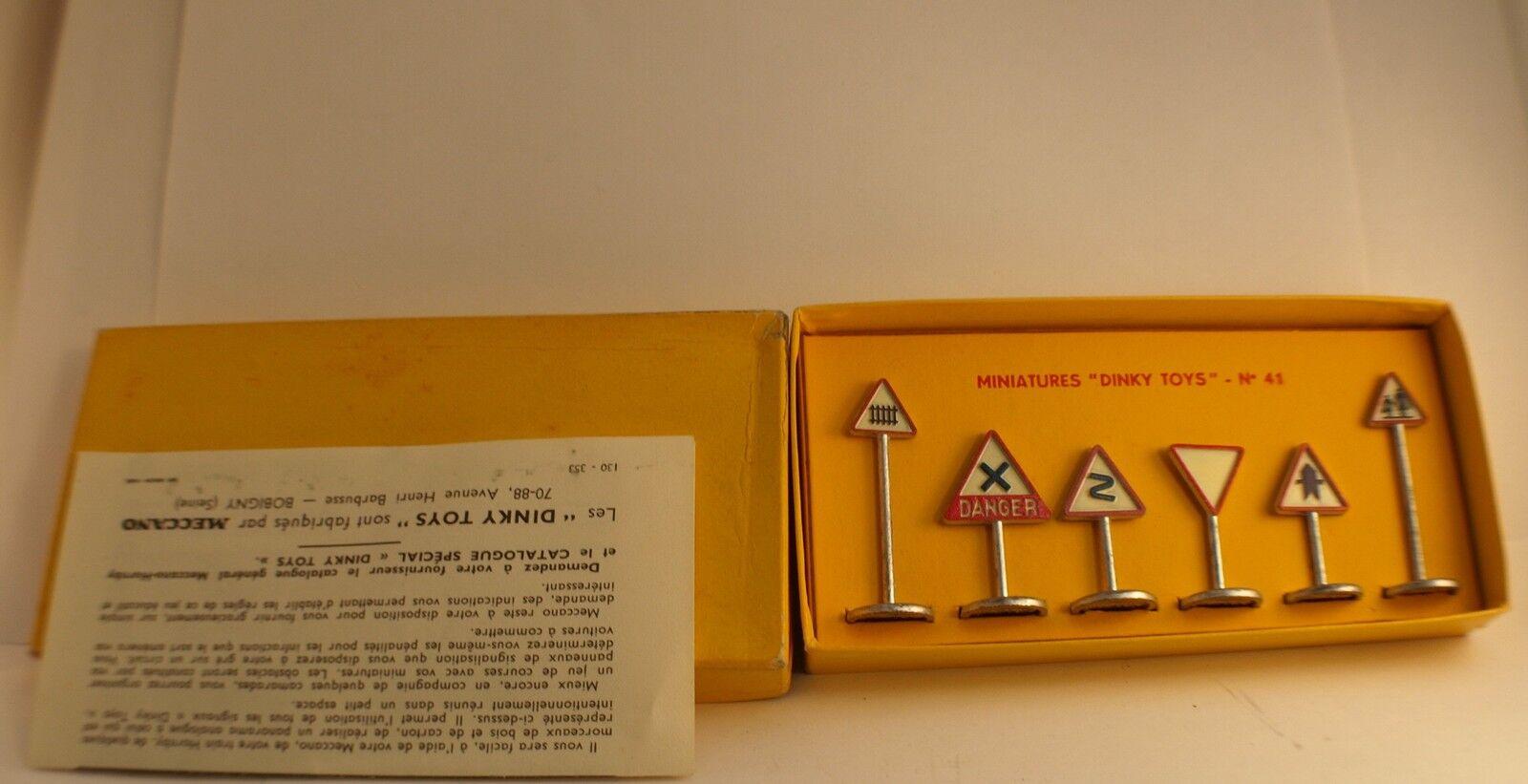Dinky Toys F n° 41 coffret coffret coffret panneaux signalisation routière Route en boite aa05b9