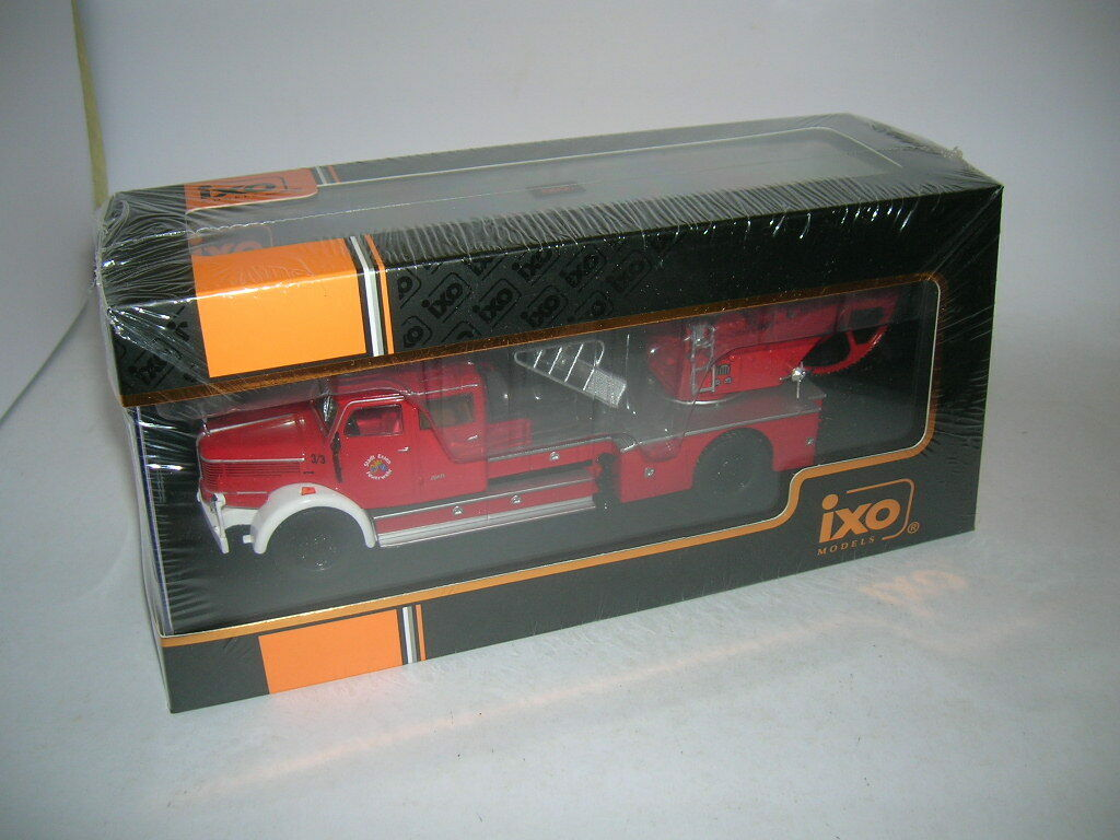 IXO Krupp DL52   DL 52 Feuerwehr City Essen Fire Engine Fighter, 1 43