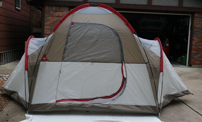 NEW Tera Gear 14'x10.5'x70  Family Dome Tent, 6 Person, LBL-14105