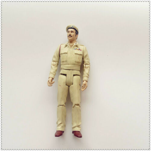 """Doctor Dr Who the Claws Of Axos the Brigadier action figure 5.5/"""" old"""