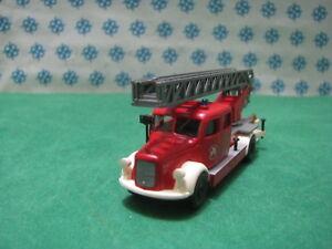 Autoscala-Der-Wachsam-Der-Feuer-Feuerwehr-Mit-Skala-Ausziehbar-1-87-Brekina