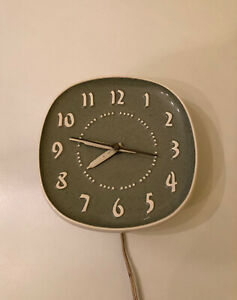 MCM-Mint-Atomic-Vintage-Russel-Wright-Ceramic-Wall-Clock-Sweeping-Second-Hand