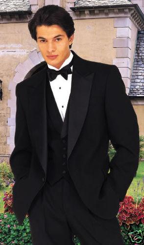 Classic Style Peak lapel Tuxedo 40L/34 waist