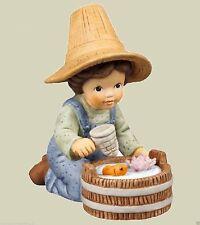 Goebel Nina Marco Figur Porzellanfigur - Hallo kleiner Freund - NEUWARE 11742020
