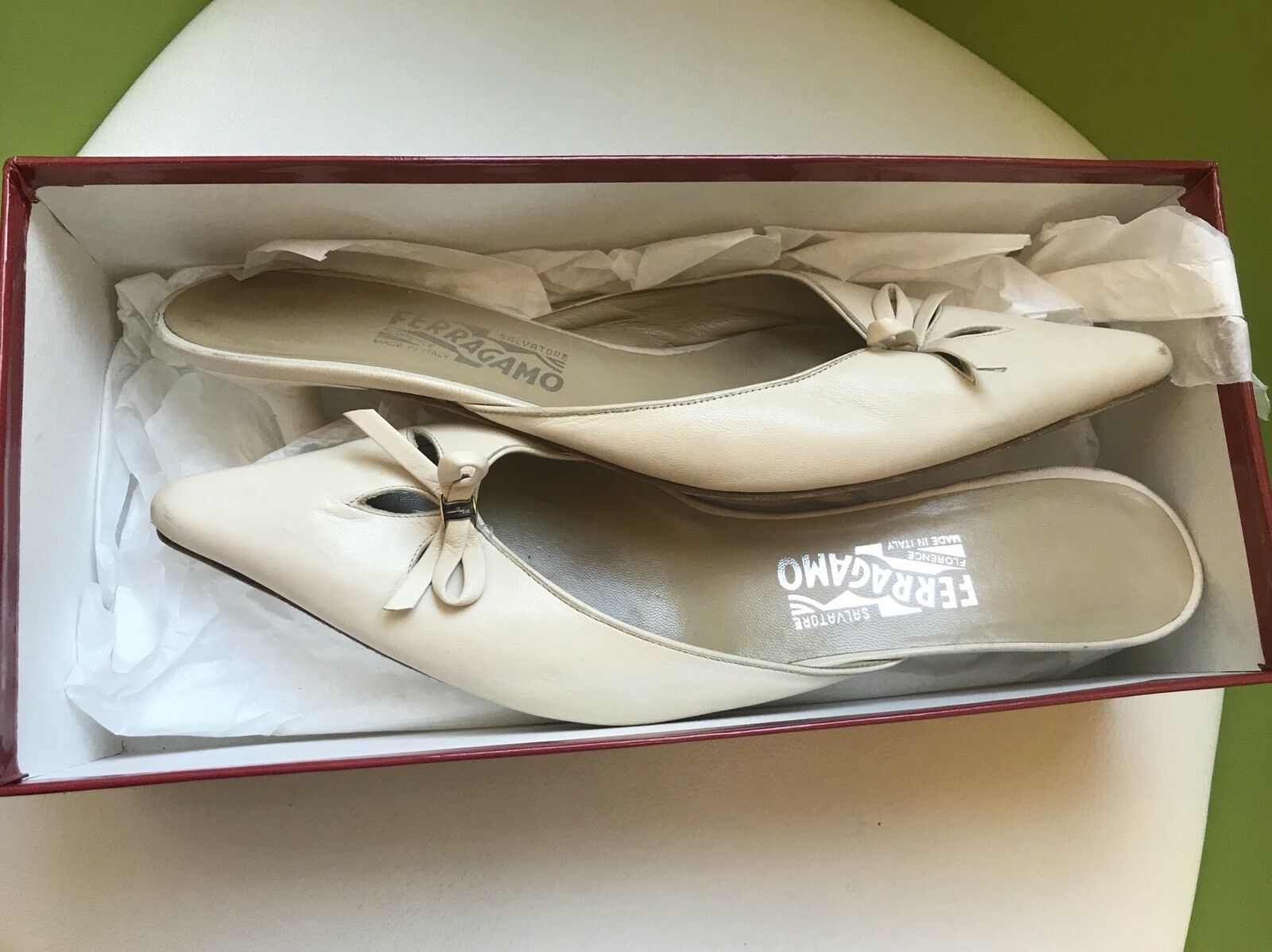 Salvatore Ferragamo Mule schuhe  Aladi  Ivory Leather damen Low Heels Größe 9.5