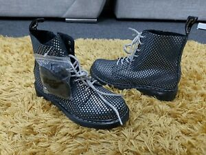 NEW Older Girls Dr Martens Boots Black Suede Metallic Stars Print size 3 EU 36