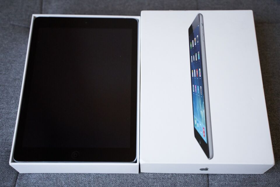 iPad Air, 32 GB, sort