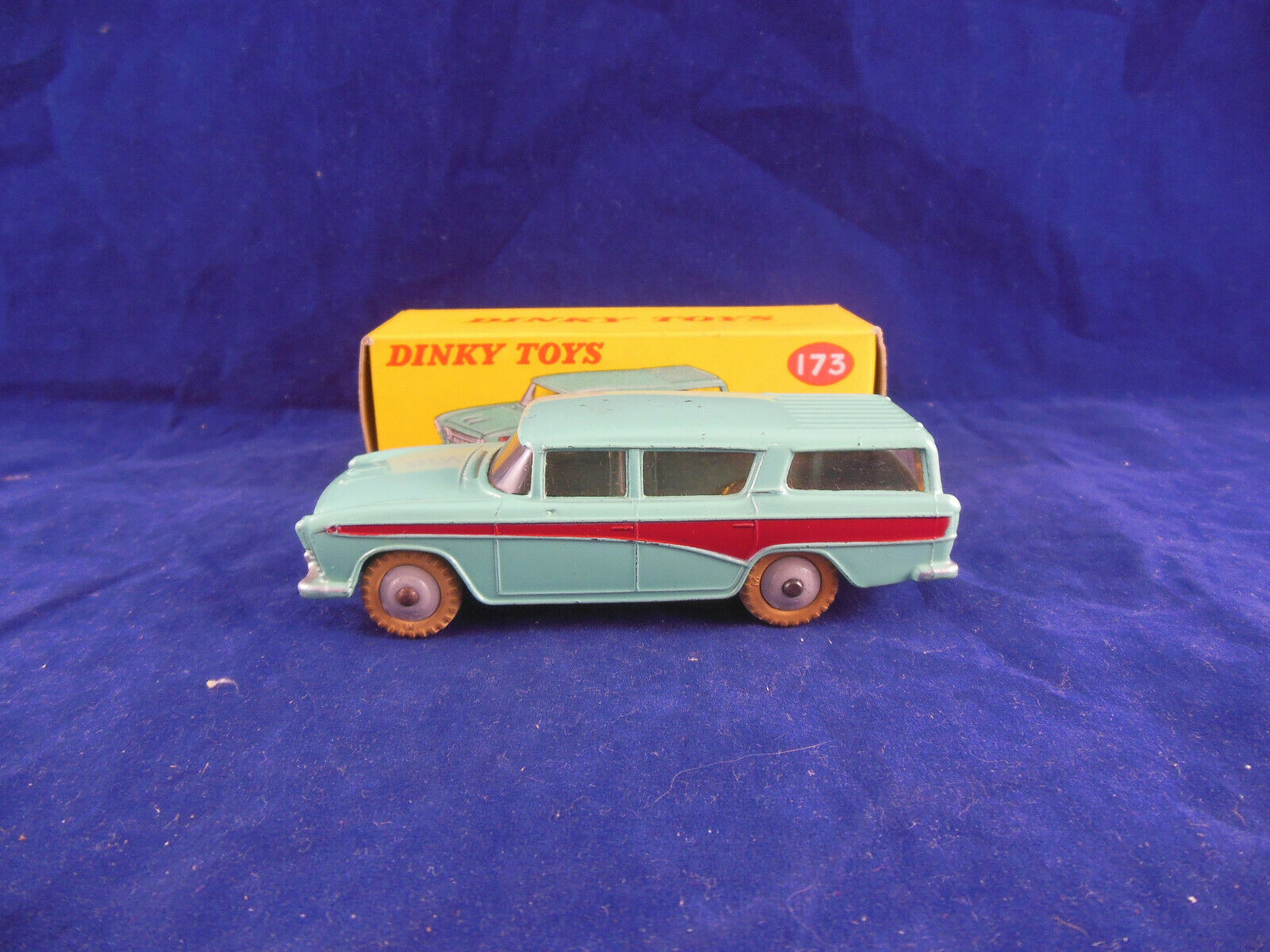 Dinky toys 173 Nash Rambler in Turquoise & Cherise Original & Superb Condition